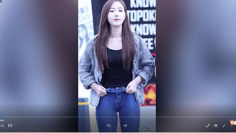搞笑GIF锦集第231期:听说萌妹子都喜欢这样穿牛仔裤?
