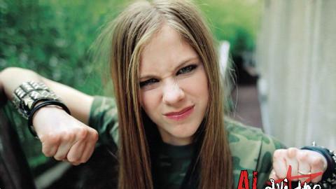 【艾薇儿】Avril Lavigne全球最畅销的30首歌曲(结尾附专辑销量/仅供参考)
