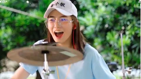 俏皮鼓后架子鼓表演《It s My Life》,罗小白练习打鼓的第一首歌!