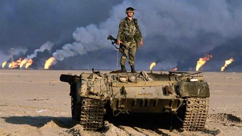 700辆中国坦克被美军一战击毁,中方专家气的掉眼泪:猪队友