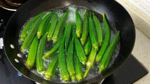 秋葵最好吃的做法,学会这样做,一天3斤不够吃,最过瘾的懒人菜