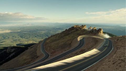 全程高能!1400 马力挑战世界海拔最高车道