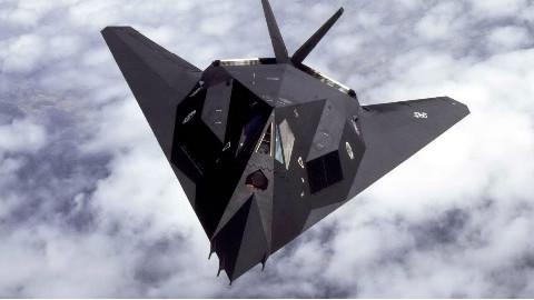 【特刊】人类第一种隐身战斗机,外形奇特的美军F117夜鹰战斗轰炸机