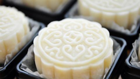 冰皮月饼最好吃的做法,香甜软糯,方法简单,学会了做给家人吃