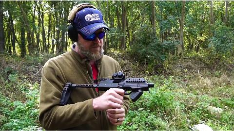 军武向导 B&T MP9冲锋枪
