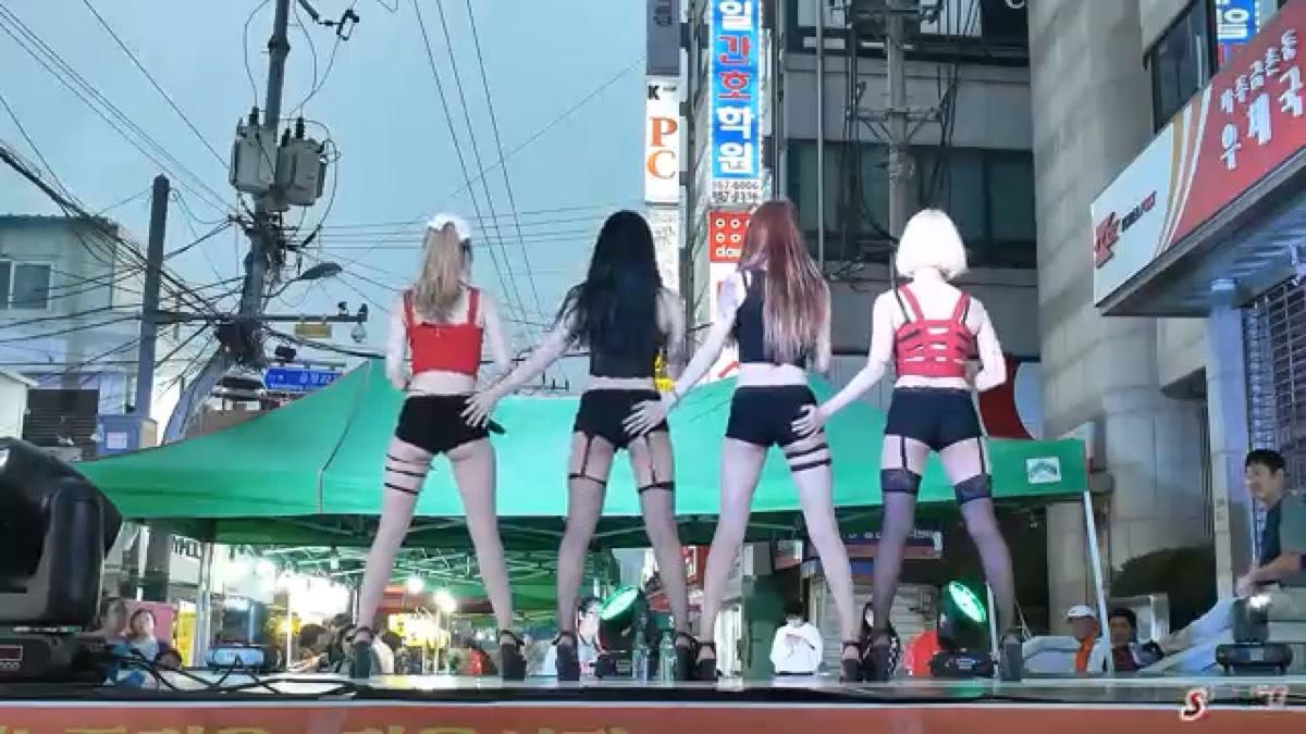 韩国菜市场热舞,大街上跳出迪厅味道