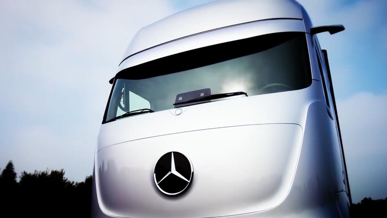 奔驰智能卡车,比擎天柱还帅