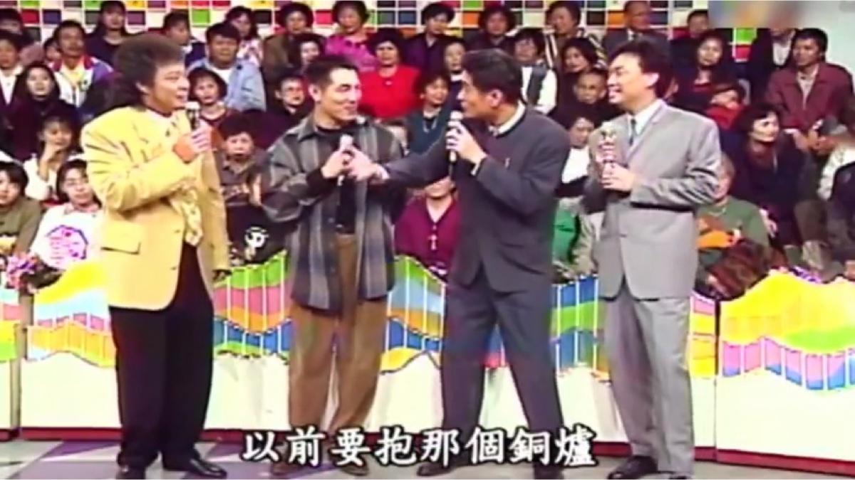 1994年李连杰上费玉清节目谈中国功夫,宣传电影精武英雄