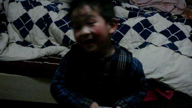 弟弟小时候的视频
