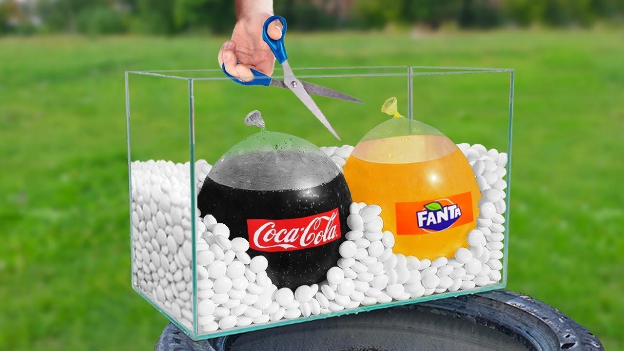 如果您将可口可乐倒入气球中并将其炸裂在薄荷糖中会怎样?