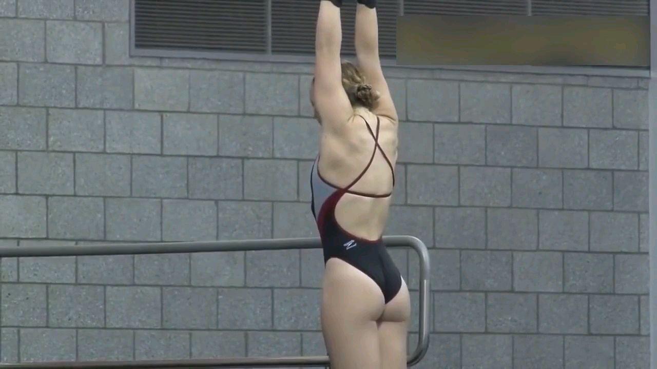 这么无聊女子跳水,我看了50遍就关了(加BGM版)