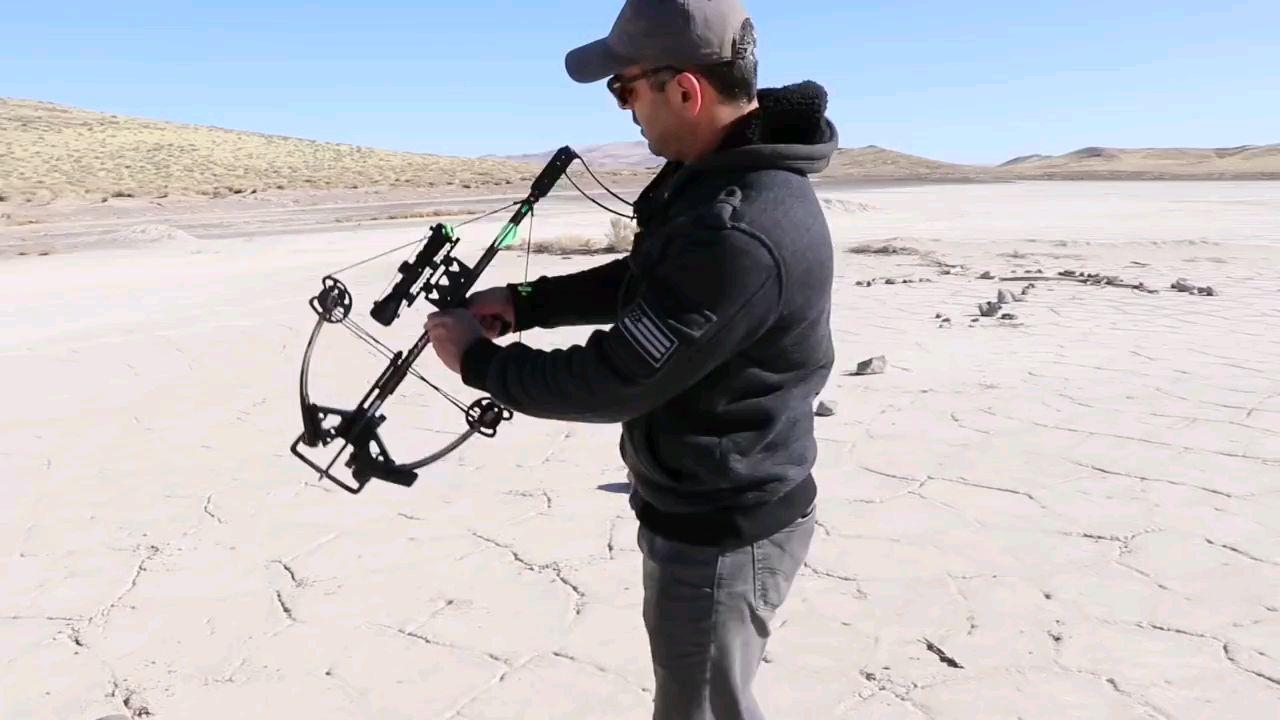 牛人试射现代弓弩射程
