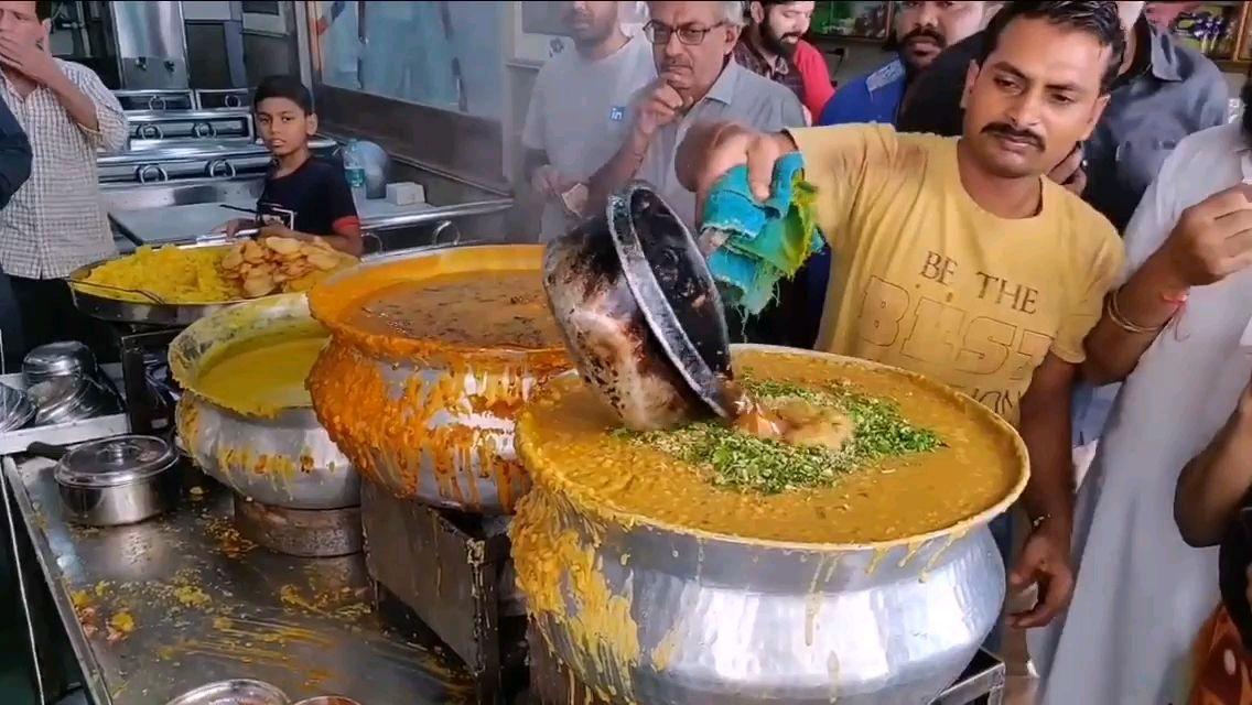 印度早餐味道还是可以的;生意好的啊三都有点忙不过来了