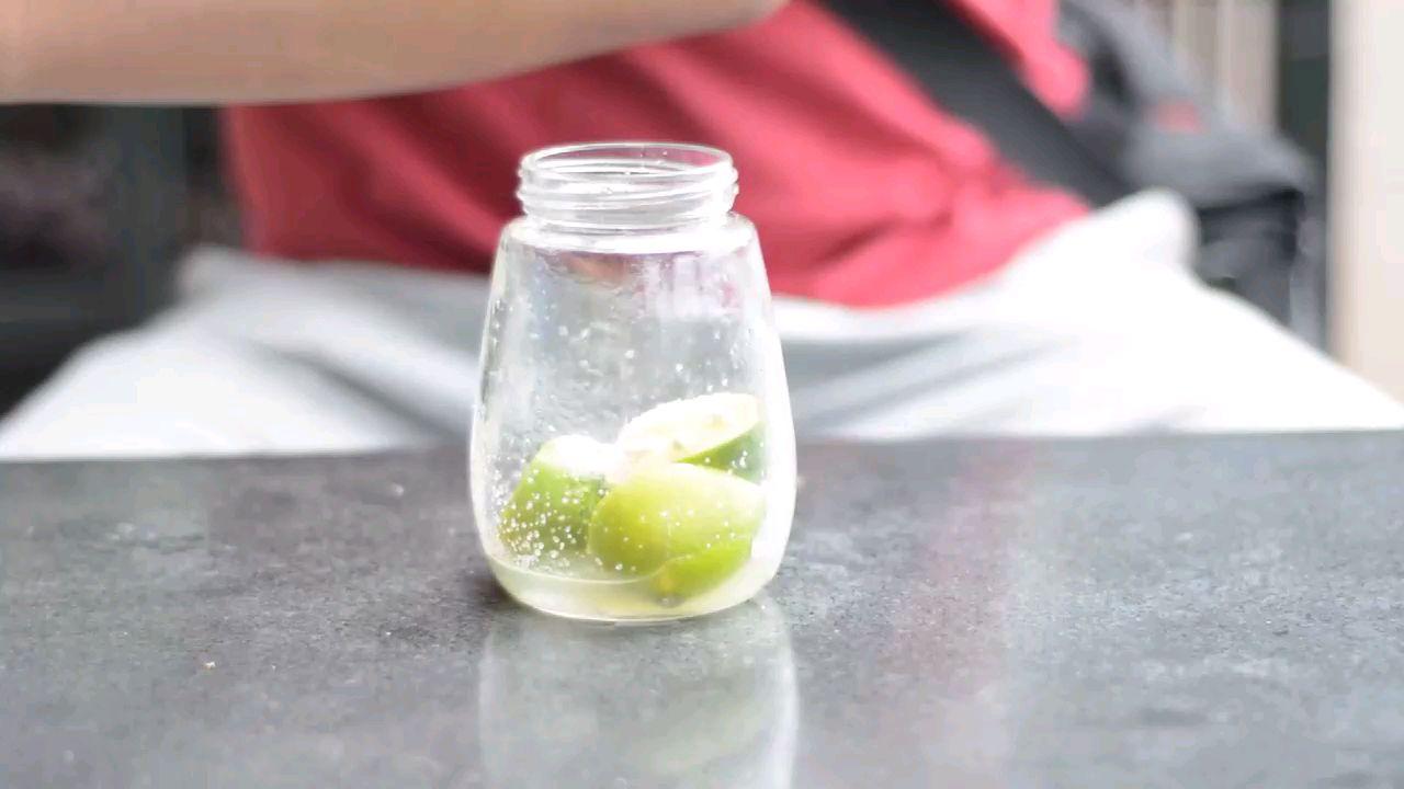 15秒学会苏打水新喝法,这才是苏打水的正确打开方式!