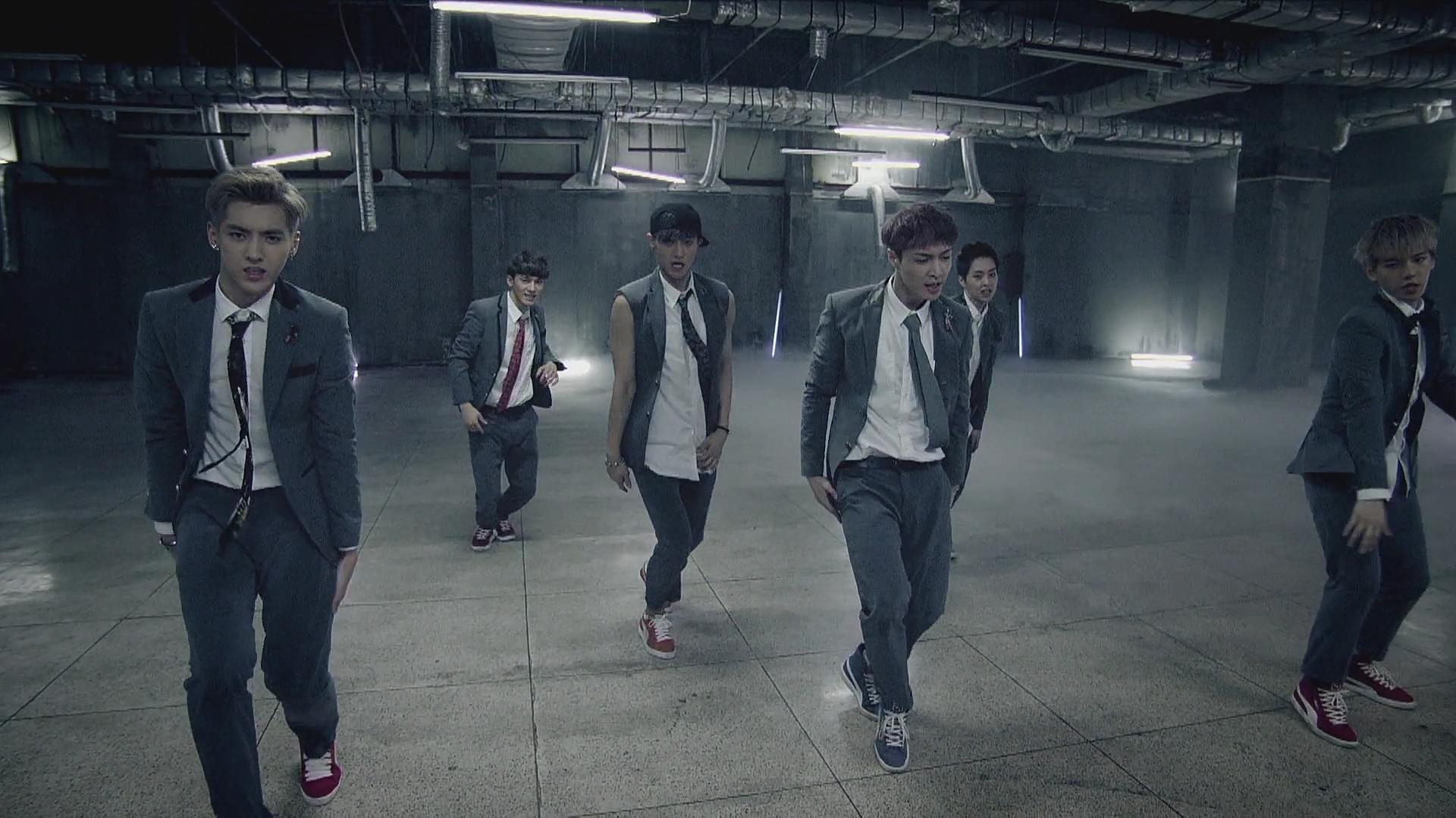EXO《咆哮》一版