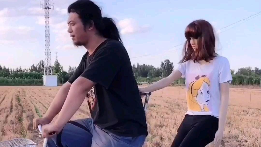 骑行伴侣,美女计步器
