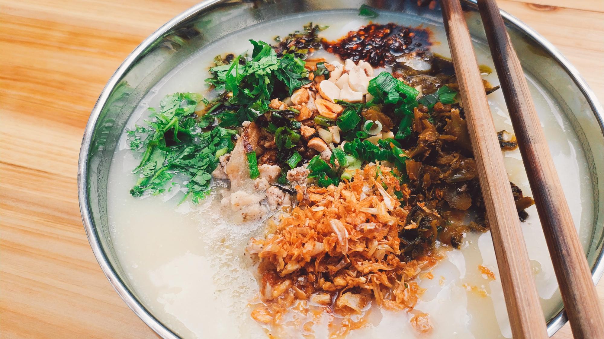 【粉王的早餐】——今天吃豆汤米干