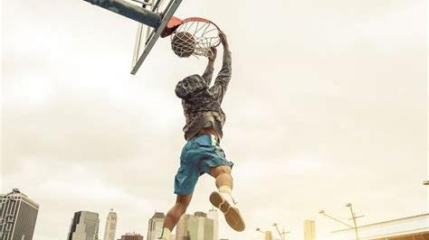 去你的篮球梦,超越人类扣篮极限,连奥尼尔都吓到。