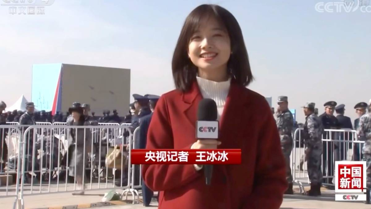 中国记者采访VS俄罗斯记者采访