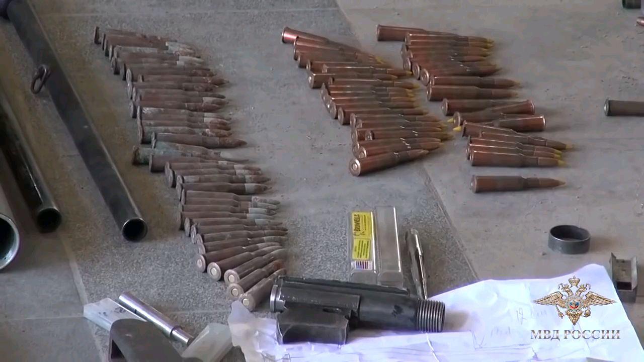 俄罗斯安全局部队突袭地下军火作坊