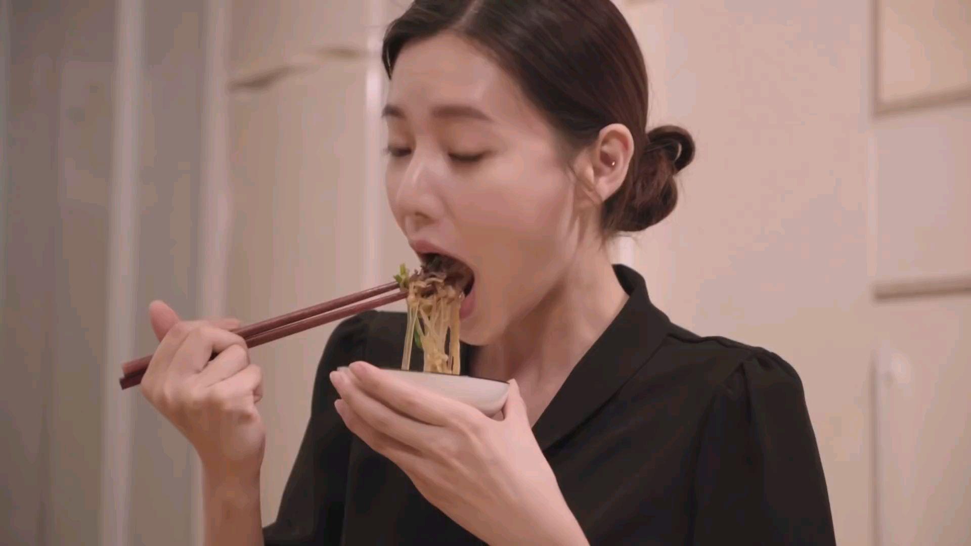 肉丝御姐老婆下班后给我做的饭,今天是韩式炖牛肉!