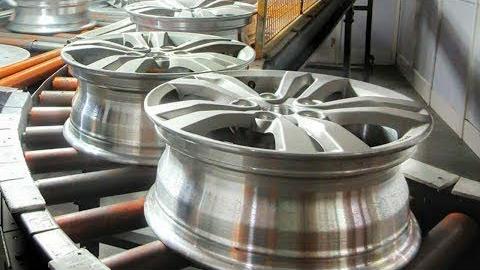 您不会相信卡车车轮是如何制成的。现代工厂。