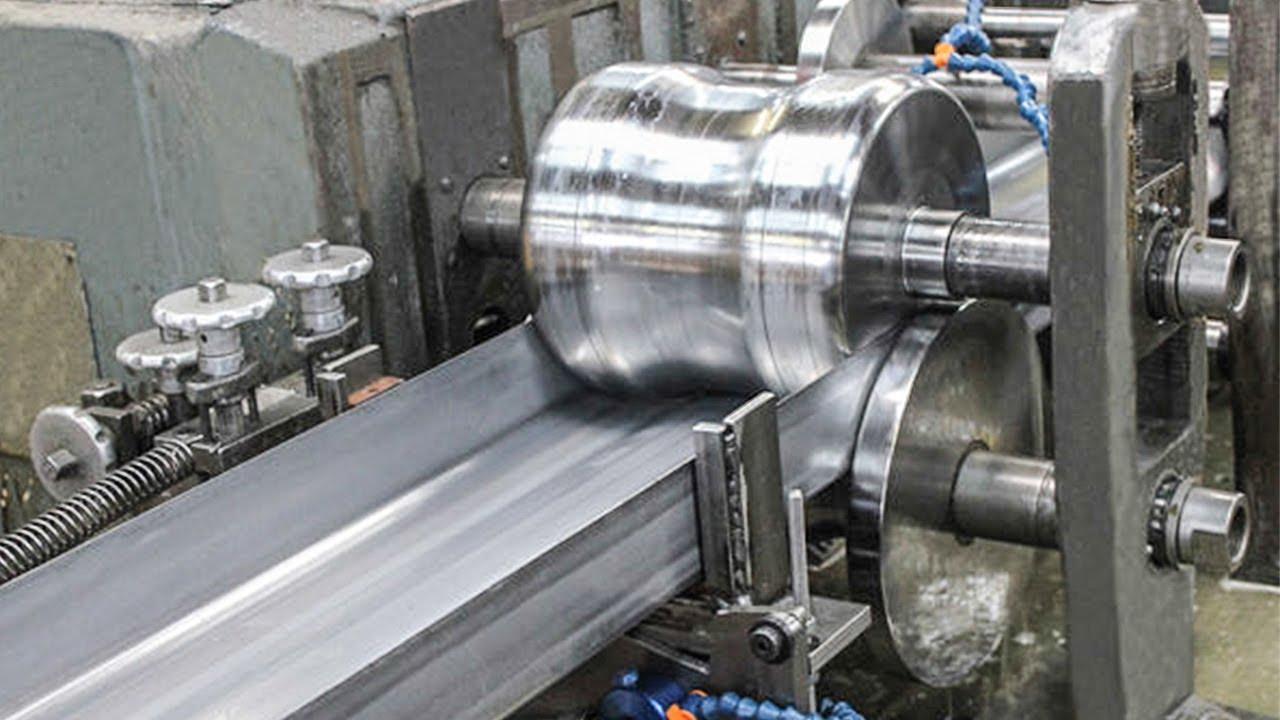 不可思议的数控金属成形加工工艺。你应该看看这台令人满意的工厂机器。