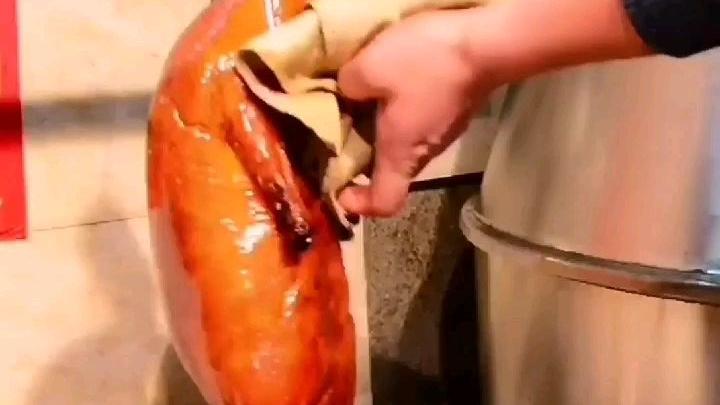 烧鸭很皱皮蔫蔫的,原因是什么?