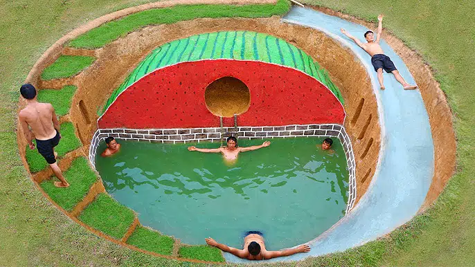 【开局一把刀】在秘密地下西瓜屋周围建造地下游泳池滑梯