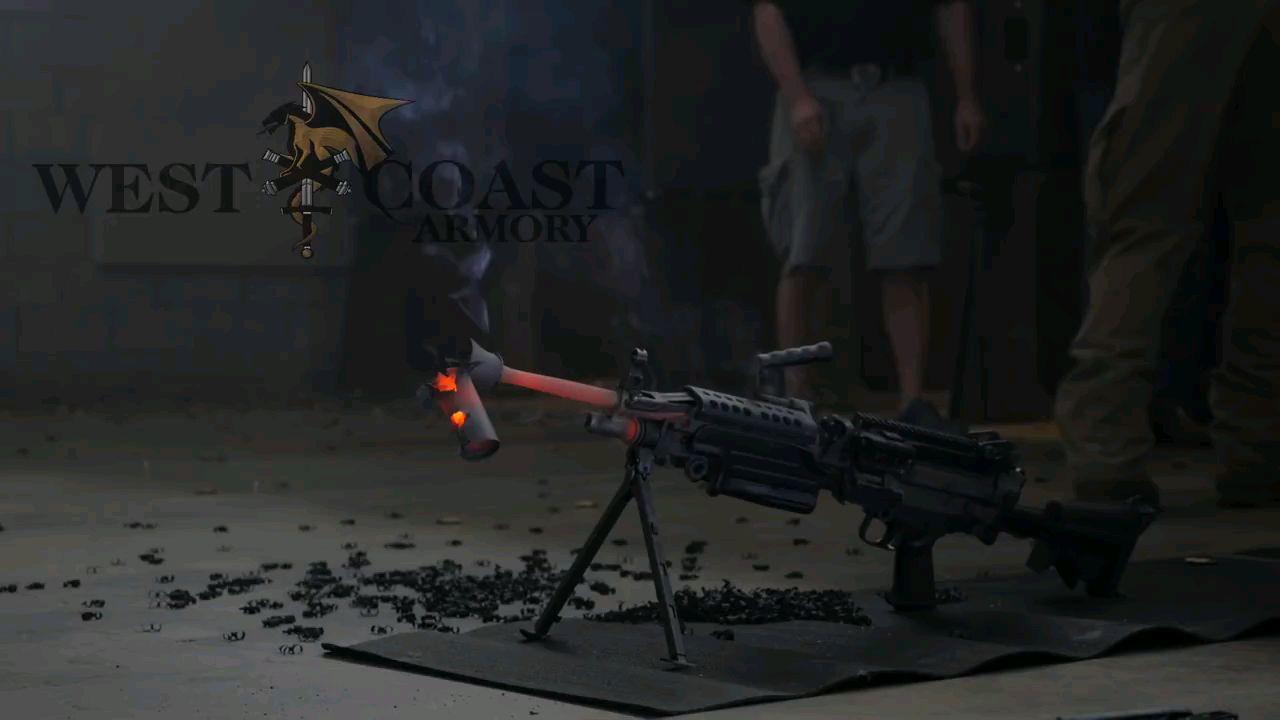 抑制熔毁!700发子弹穿过M249锯!