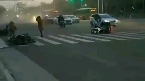 北京昨日微风~