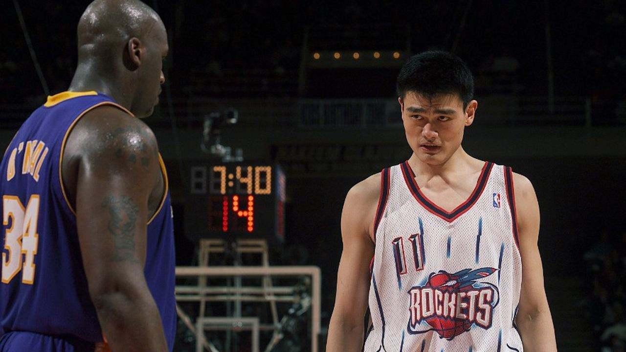 【姚鲨对决】NBA03-04常规赛姚明对阵奥尼尔29分集锦,第4节15分什么平?