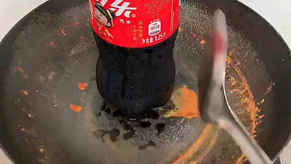 生锈的铁锅不要丢,居然还可以用来干这事