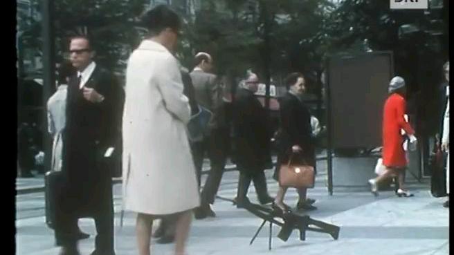 """【远古/德语】1974年瑞士广播公司纪录片-""""人民手中的钢枪-火器与瑞士人民的关系"""""""