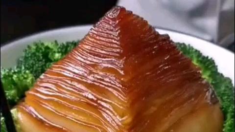 从哪儿下筷子,怎么吃