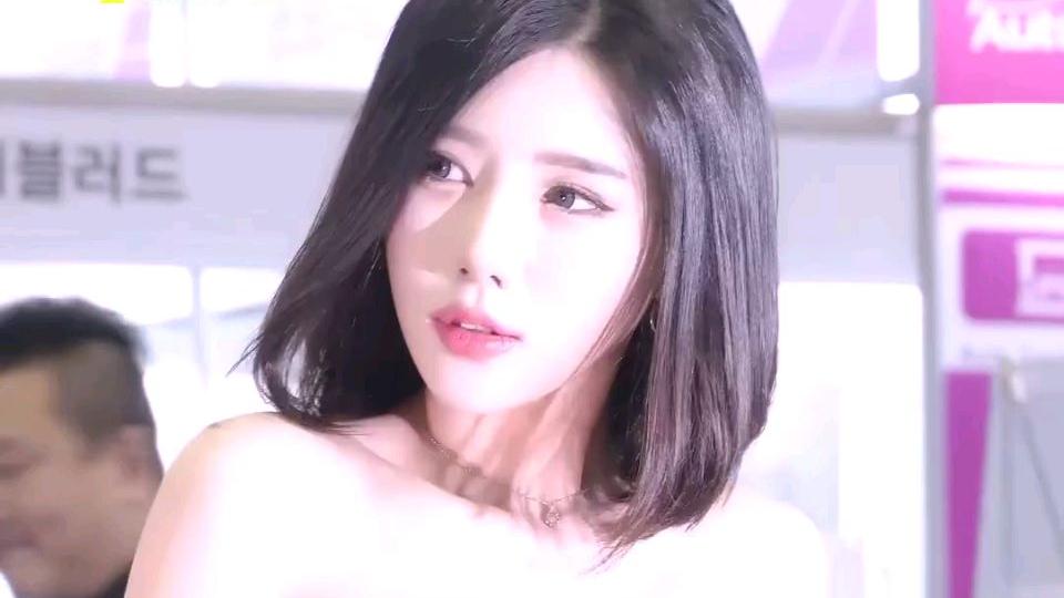 韩国车模小姐姐