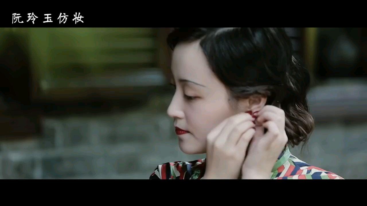 优雅小姐姐跟你聊,传统旗袍的搭配穿法~