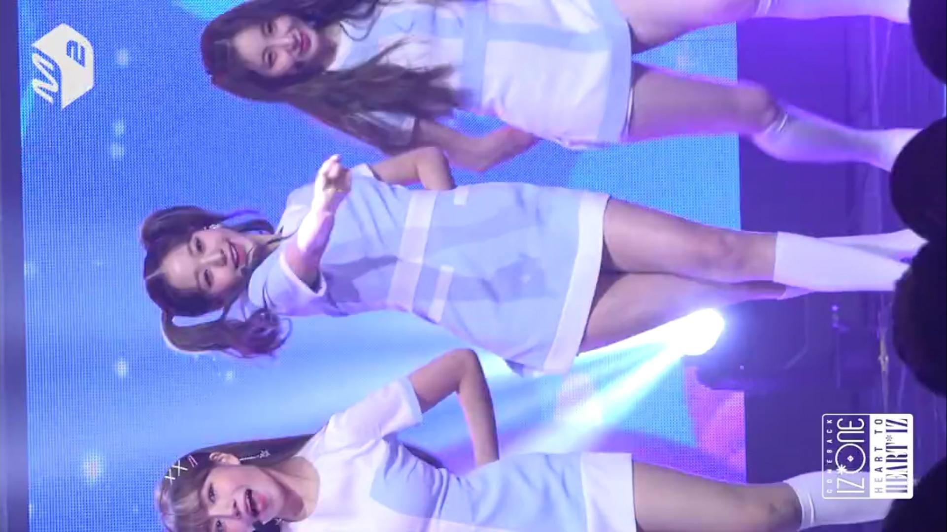 【张元英】蓝色短裙双马尾张元英直拍