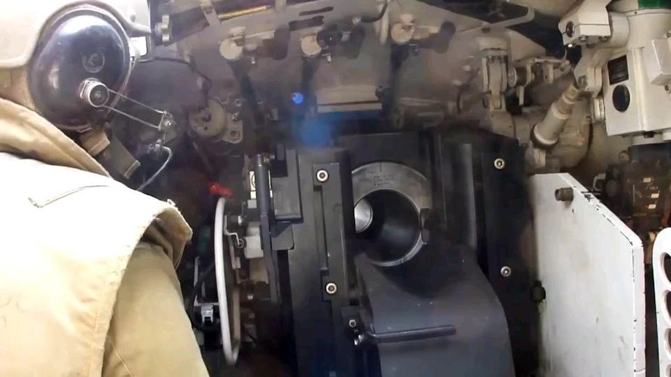 工作中的装载机-Merkava Mk.3