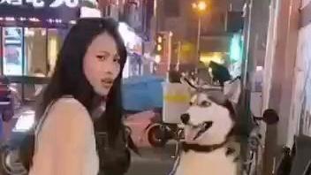 确实不咬人