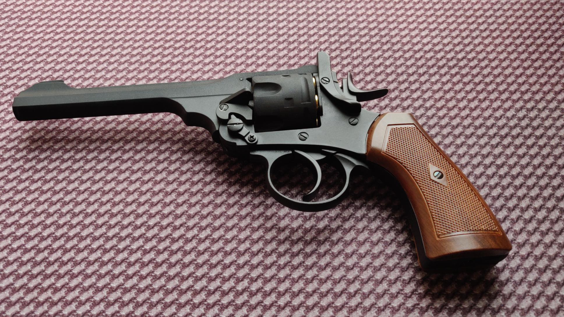 第一款水弹转轮手枪,韦伯利左轮MK6水弹玩具枪
