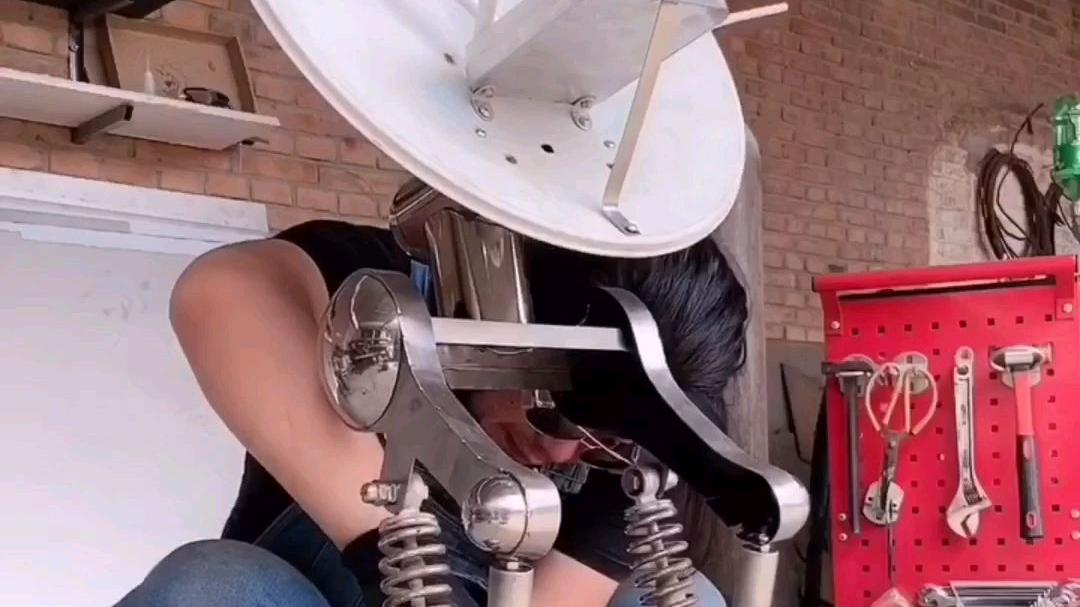 最近家里无线网信号不太好,做了一个路由器小跟班,不管走到哪里信号都是满格的