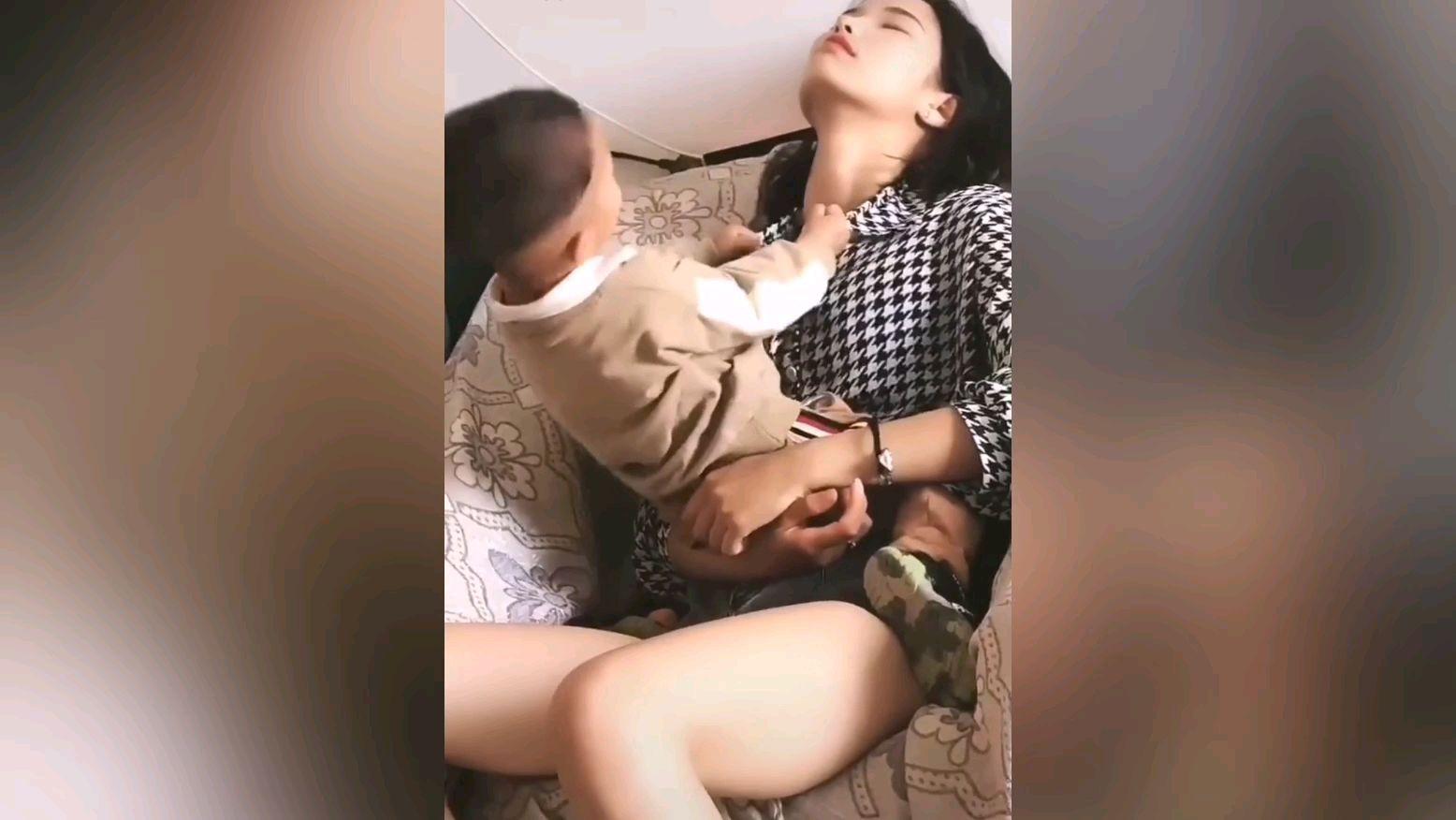 ★求投五蕉★网络上常见的热门短视频 一百五十期 儿子为什么总喜欢和小姨子一起玩