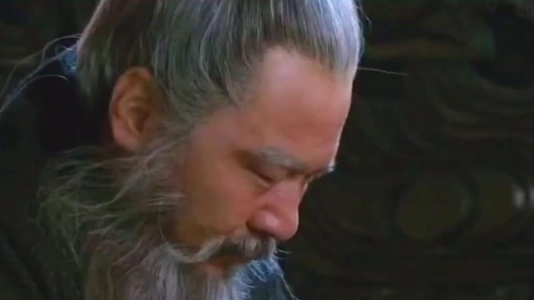 新三国:曹操一生最敬重的人关羽,死后还流泪,重塑肉身为其安葬。