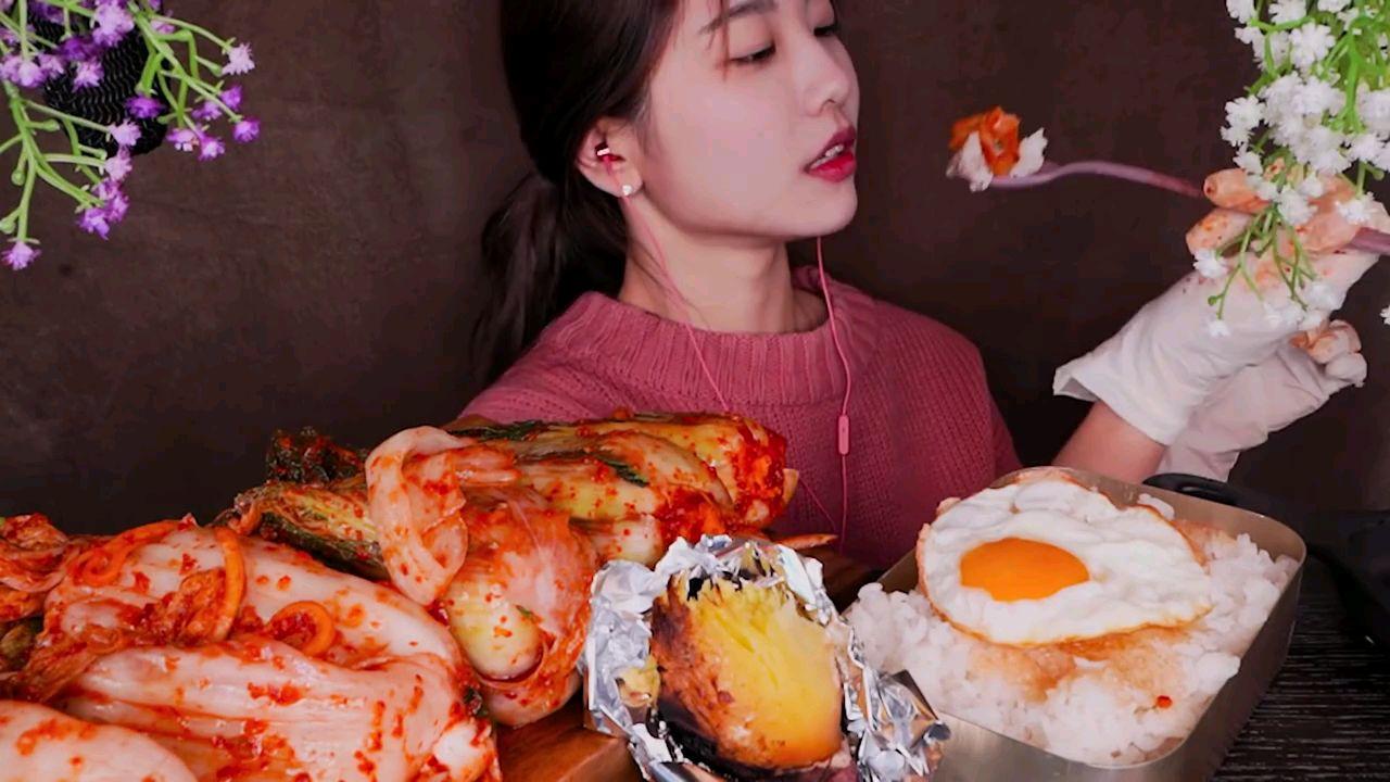 Suna吃泡菜和米糕(自制)