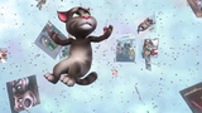 汤姆猫迷上玩自拍涨粉丝掉进手机里面去了