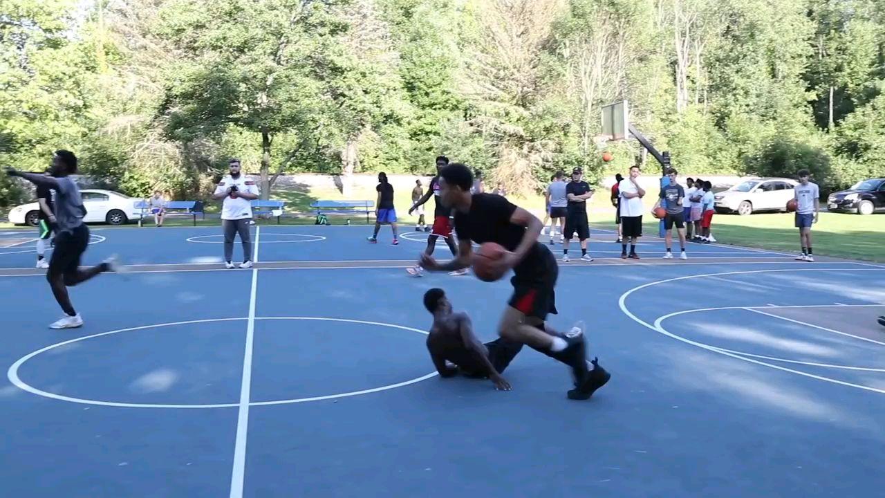 职业球员Mic掌控了公园!(5v5)篮球