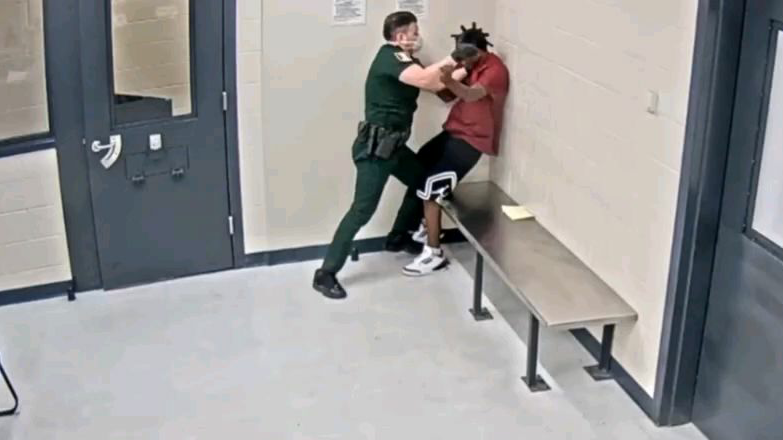 【执法记录】美国少年犯惩教处发生冲突