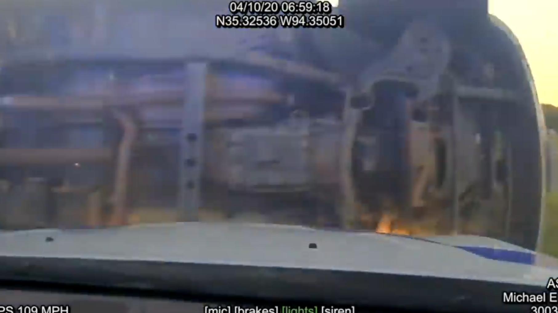 【执法记录】高速警察发动PIT截停失败,警车秒变陆上MXY-7