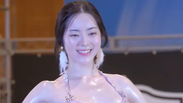 韩国古典健身模特赛现场